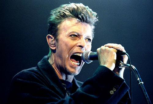 Евровидение: У британской певицы отобрали микрофон на сцене | 340x500