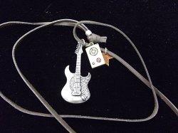 Музыкальный сувенир Кулон Электрогитара Fender 5.5см. и монитор