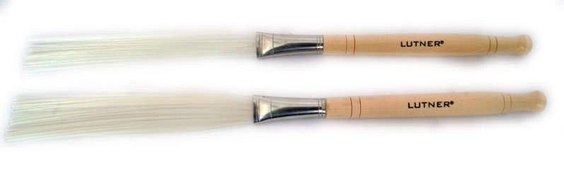 SV601 Щетки для барабана пластиковые, белые, очень мягкие, деревянная ручка