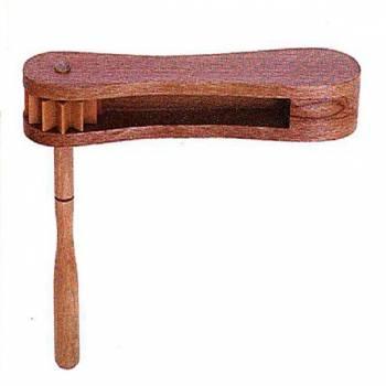TC3181 Трещотка-вертушка деревянная
