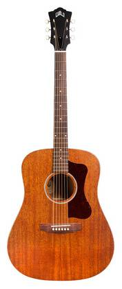 D-20 Natural All mahogany body in a dreadnought size with rosewood fingerboard and bridge.