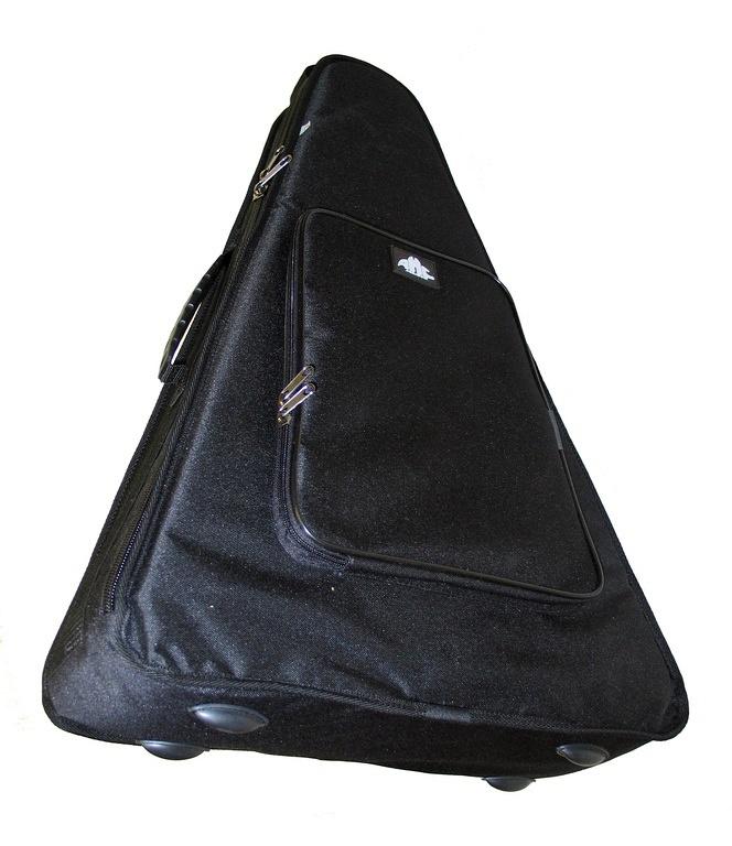 БП3 Чехол для балалайки прима. Полужесткий, уплотнитель 15мм, искусственный войлок, внутренний и наружный карманы, можно нос
